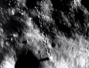 UFO SIGHTINGS DAILY: Two Alien Structures On Moon Have ...