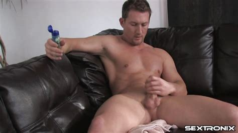Rod In Sexy White Male Oiling Himself Before Masturbating Hd From Gay Passport Gay