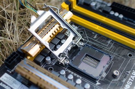 How To Install An Intel Or Amd Cpu In Your Computer
