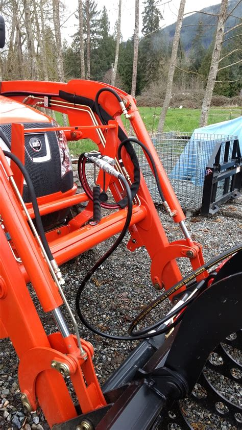 kit     route  hoses   tractor   dont  pinched