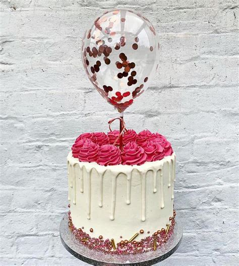 pasteles en tendencia  cake balloons de moda