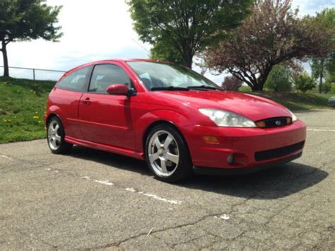 find   ford focus svt hatchback  door