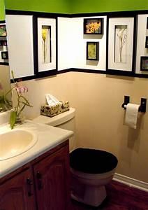 Small bathroom decorating ideas dgmagnetscom for Ideas for decorating a small bathroom