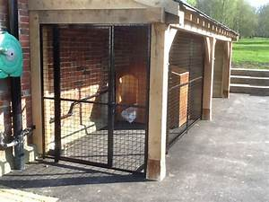 Dog kennels outdoor dog runs for Dog house and run
