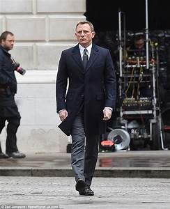 Bonding in Whitehall: More Spectre scenes shot in London ...