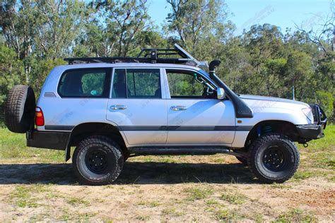 The toyota land cruiser leaves all other 4x4s behind with driving pleasure that just carries on growing as the kilometers roll by. Toyota Landcruiser 105 Series Wagon Silver 61906 ...