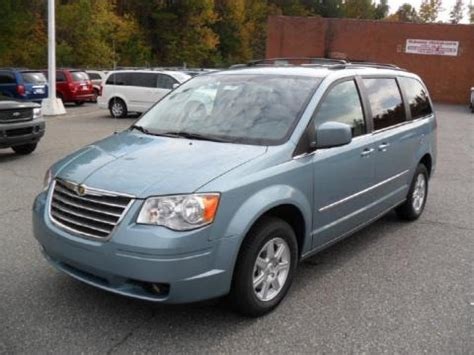 2010 Chrysler Town And Country Specs by 2010 Chrysler Town Country Data Info And Specs