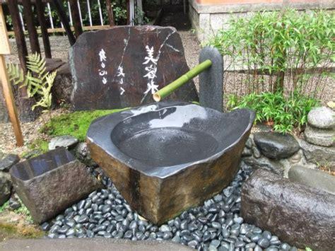 comment creer une fontaine de jardin cascade et fontaine de jardin 69 d 233 co pour les moments de relaxe