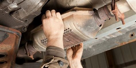 protect  vehicle  catalytic converter theft