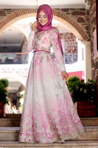 model elegan gaun pesta muslim modern  penampilan