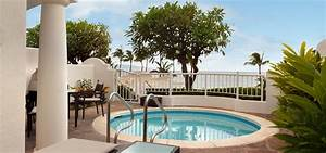 Hawaii resorts with plunge pools fairmont kea lani wailea for Hawaii private villas honeymoon