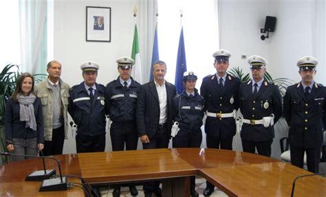 Polizia Municipale Porto Recanati by Pistole Alla Polizia Municipale Gli Agenti Di Porto