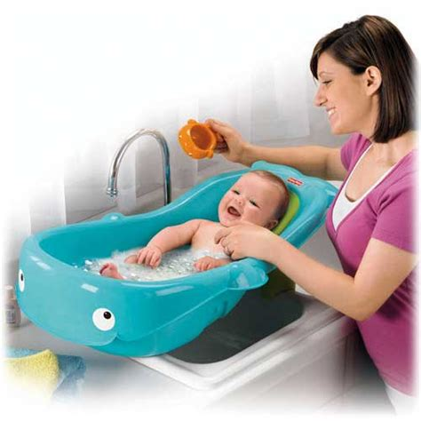 baby bath sink insert amazon com fisher price precious planet whale of a tub baby