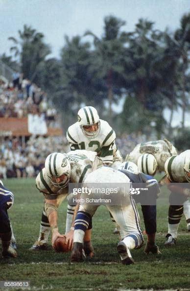 New York Jets QB Joe Namath at line of scrimmage vs ...
