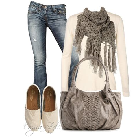 Outfit Con Zapatos Beige Bajos