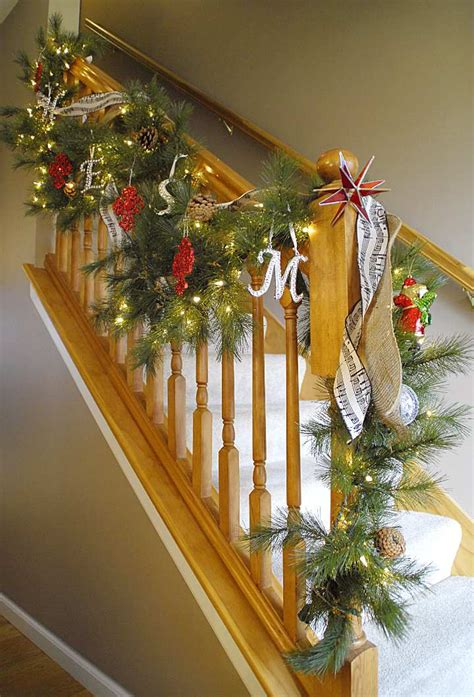 lighted garland for staircase holiday staircase decorating ideas pinterest