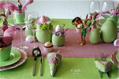 and green easter table decoration