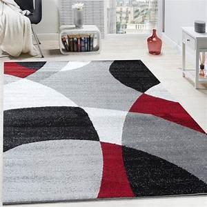Tapis Salon Poil Ras : tapis design poils ras tapis moderne abstrait demi cercles motif en rouge gris tapis tapis poil ras ~ Teatrodelosmanantiales.com Idées de Décoration