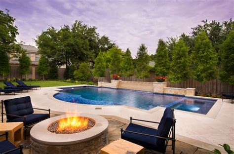 backyard pool design with mesmerizing effect for your home