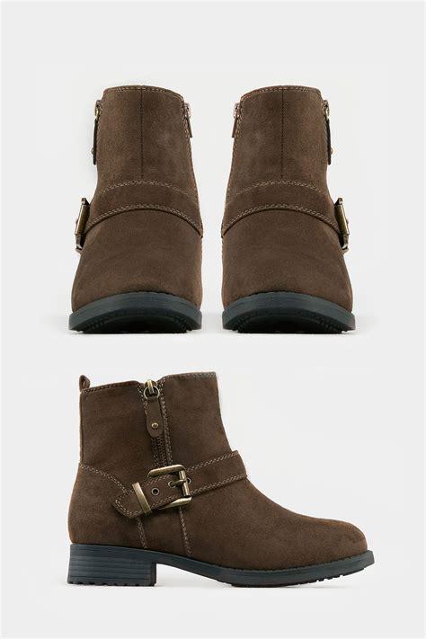 Braune Ankle Boots Mit Schnalle & Weiter Passform Eee Fit