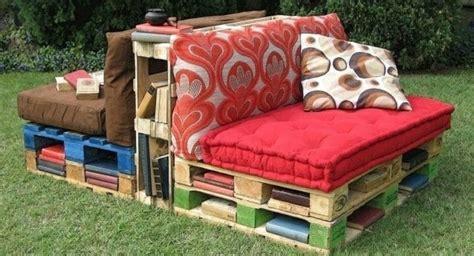 canap avec biblioth que int gr e 1001 idées pour fabriquer un banc en palette charmant