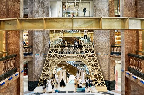 facts    galeries lafayette champs elysees