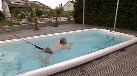 Whirlpool Für Den Garten Test by Edle Wellness Objekte Planschen Im Eigenen Whirpool N Tv De