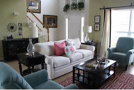 Ways To Decorate A Living Room by Living Room Decorating Ideas On A Budget