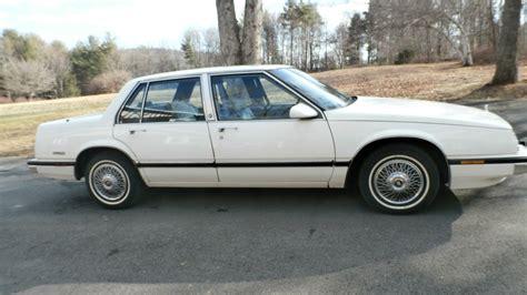 1990 buick lesabre custom sedan 4 door 3 8l