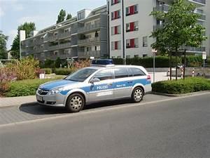 Opel Bad Homburg : ein opel vectra der polizei frankfurt am main am ~ Orissabook.com Haus und Dekorationen