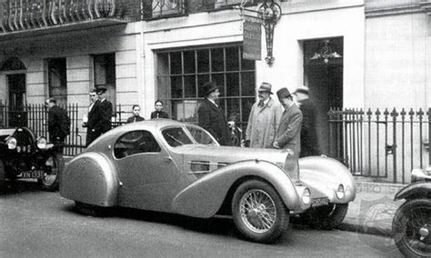 How Do You Build A Complete Bugatti With Only 13 Pictures