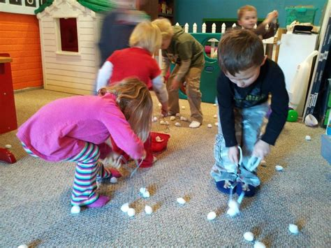 snowball scatter cotton balls around the room and 974 | 042c0acc192ca56e2150e16f805f0702 movement activities rainy day activities