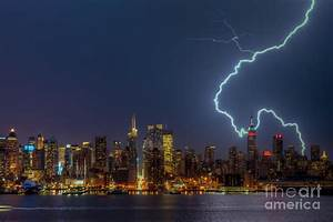 Lightning Over New York City Vii Photograph by Clarence Holmes