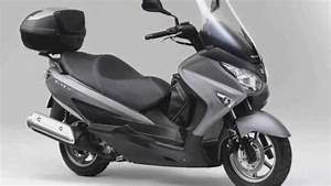 Scooter 125 Burgman : test comparatif suzuki burgman 125 vs piaggio x9 125 motors tv motorcycles catalog with ~ Gottalentnigeria.com Avis de Voitures