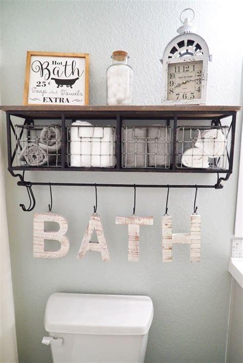 Half Bathroom Makeovers by Best 25 Bathroom Makeovers Ideas On Half