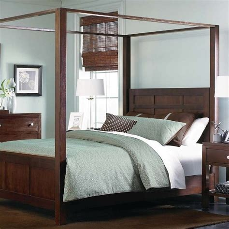 fine contemporary solid wood  poster bed queen