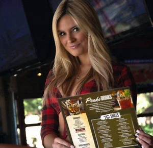 This Racy 'Breastaurant' Is The Fastest-Growing Food Chain ...