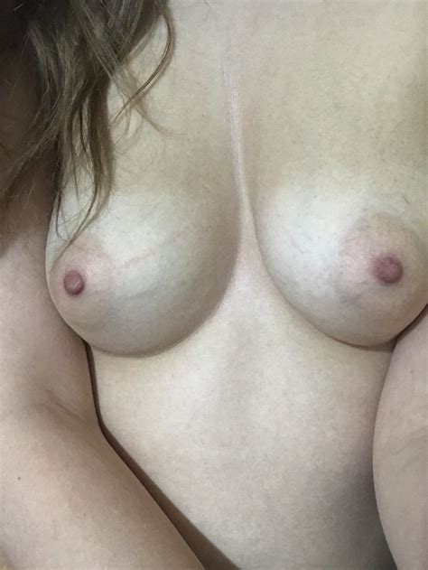 Sometimes Im Self Conscious About My Veiny Boobs F Porn