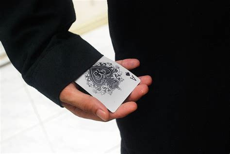 card trick how to do a disappearing card trick 13 steps with pictures