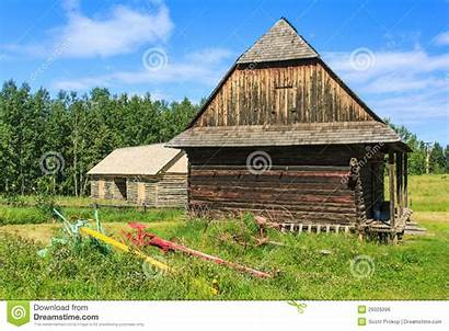 Barn Barns Royalty Implements Couple Farm