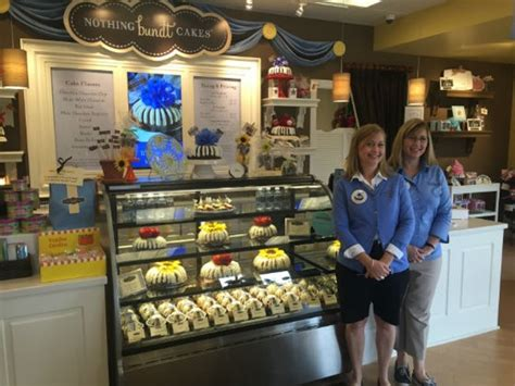 bundt cakes hits  homerun  town  country
