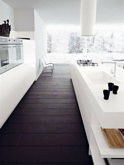 cuisine avec sol parquet cuisine blanche et bois le mariage parfait pour une