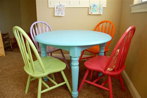 new craft table and chairs for the playroom scattered