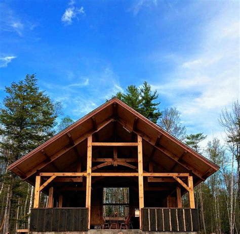 camping  glamping  ways luxury amenities refine  great outdoors  upstate ny camping