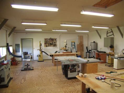 small woodworking shop layout helps   set