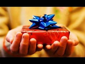 Comment Emballer Un Cadeau : comment emballer un paquet cadeau rapidement youtube ~ Melissatoandfro.com Idées de Décoration