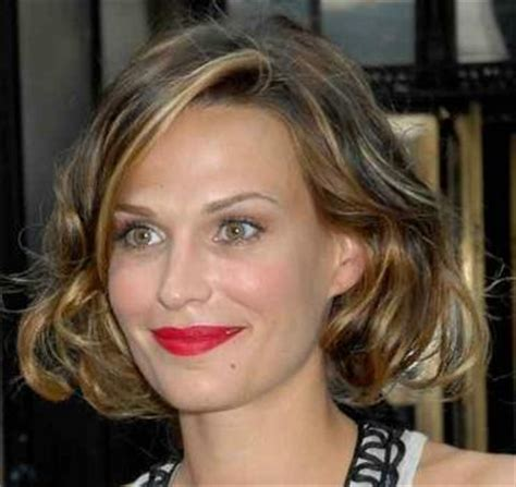 chin length layered hairstyles short hairstyle