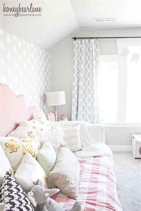 Gray And Pink Bedroom by Pink And Gray S Bedroom Honeybear
