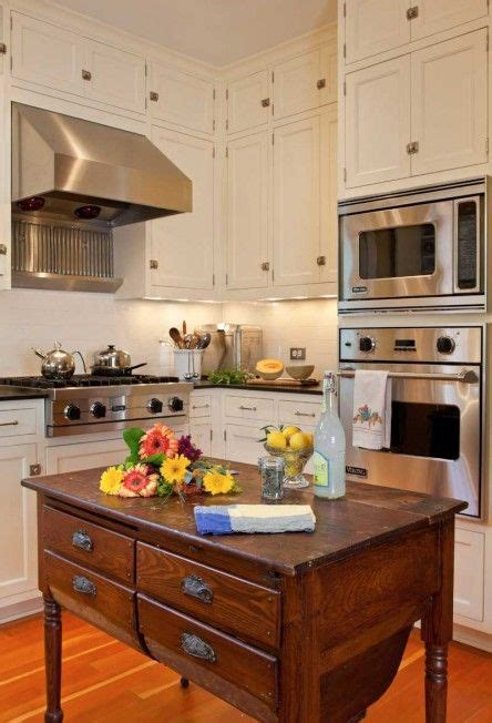 design for a small kitchen best 25 foursquare house ideas on four square 8612