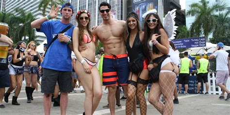 Ultra Music Festival 2015: The People And Outfits We Loved (NSFW PHOTOS) | HuffPost